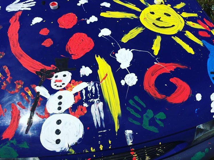 A Song of Ice and Fire #car #snowmsn #painted #farbe #carpainting #carpaint #hippie #hippielove #hippiemobile #fire #auto #carinstagram #automobile #feuer #justdoit #schneemann #fingerpainting #abtönfarbe #drache #motorhaube #fiesta #ford #fordfiesta #sun #sunny