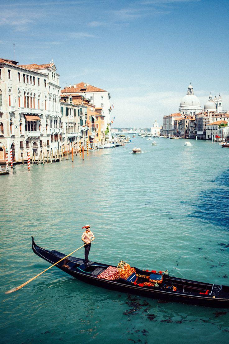 Wanderlust | Gondola in Italy.