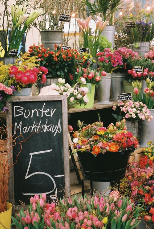 Wish I had a flower stand like this to go to....oh wait I do - Pike Place Market, Seattle!