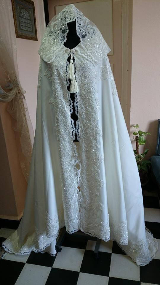 barnous en dentelle.barnous algerien.lace burnous.tesdira.mariage algerien.algerian fashion .tenue algerienne.
