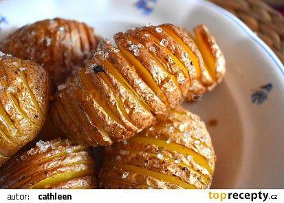 Pečené brambory Hasselback recept - TopRecepty.cz
