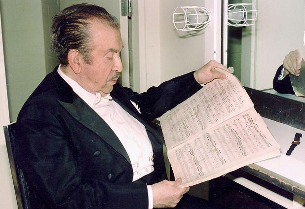 En la ciudad de Chillán nació el 6 de febrero de 1903 Claudio Arrau León el gr...