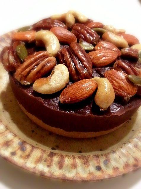 ビーガン チョコレートのタルト♡ナッツたっぷりで食べ応え抜群のナッツチョコタルトのアイデア