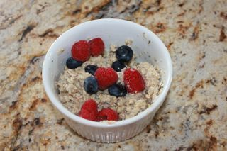 The Breakfast Experiment plus recipe for super food oatmeal with chia seeds!Super Food