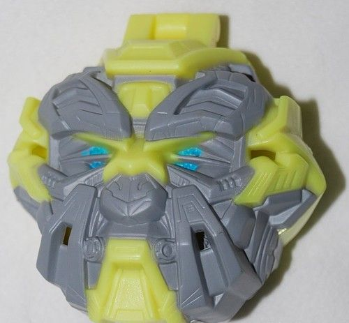 Burger King 2011 TF3 Transformers Flip-out Bumblebee Toy