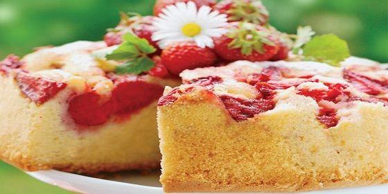 Γλυκές Γεύσεις: Ανάστροφο κέικ με φράουλες
