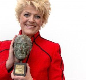 Simone Kleinsma ontvangt theaterprijs