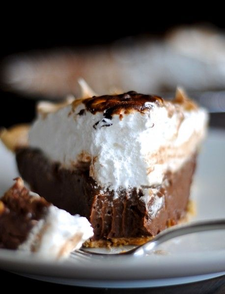 Chocolate Cream Pie with a Toasted Marshmallow Topping...  #powerpatate #chocolat