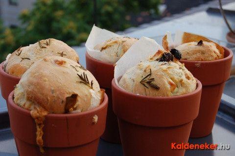 Fetasajtos kenyér cserépben Kaldeneker Gyuritól