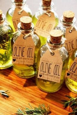 Olive Oil: Eye-Make-Up Remover Incognito. I need to try this