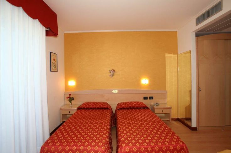 Camera a due letti separati