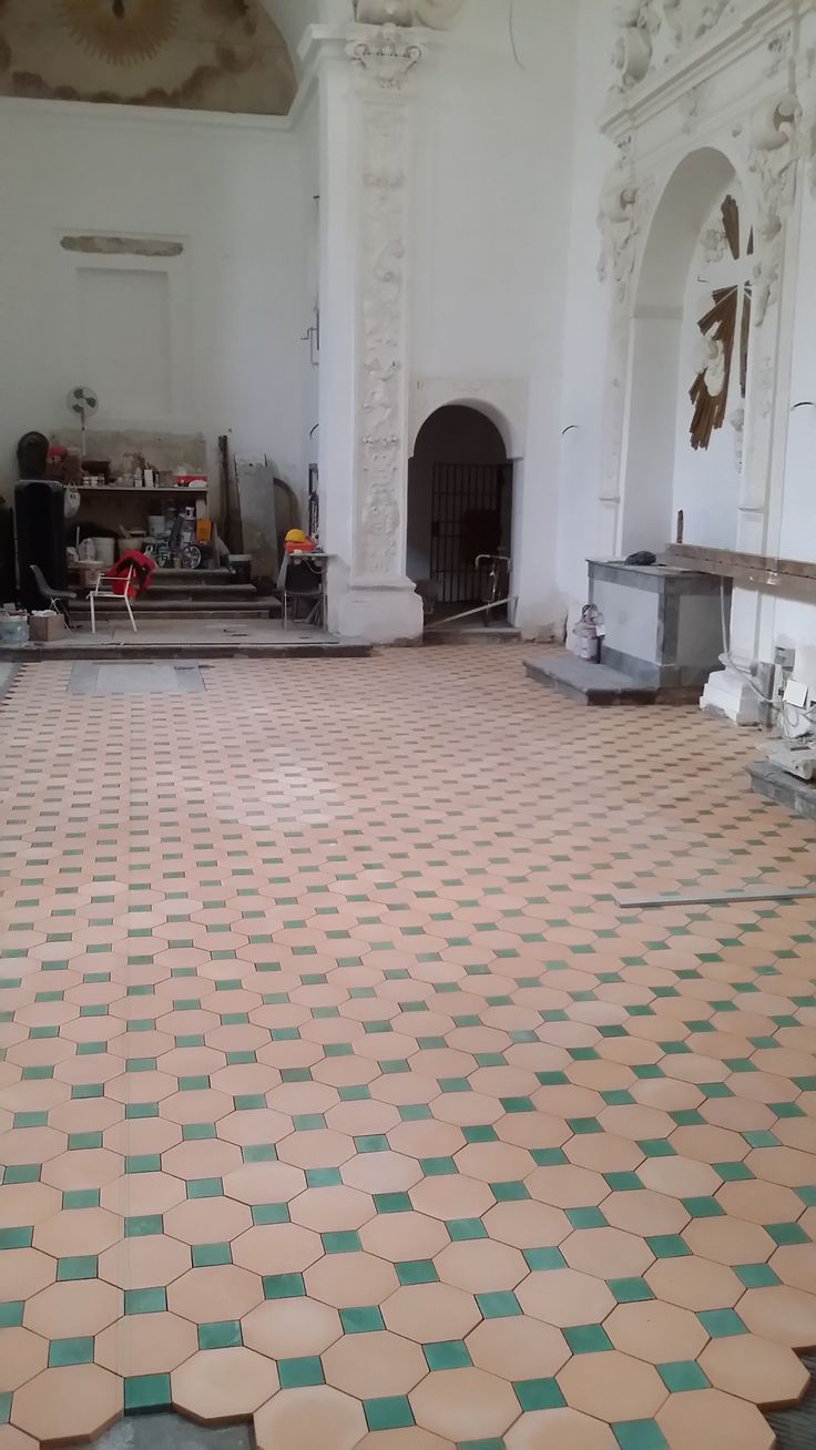 ‪Pavimento in Cotto Siciliano COMED Ceramiche / Flooring Cotto Siciliano handmade #cottosiciliano #flooring #COMEDCeramiche  #terracotta #palermo #sicily