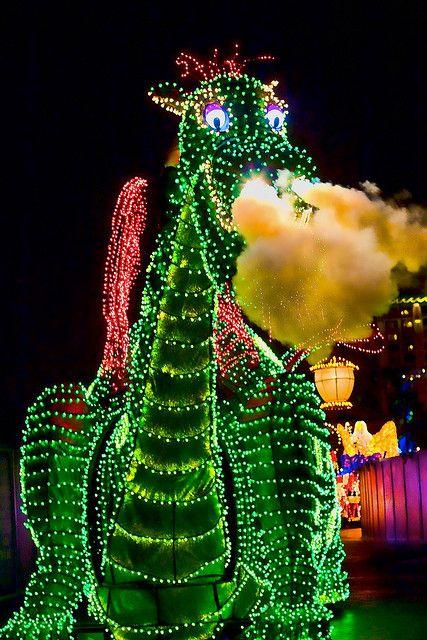 Disneyland Aug 2009 - Disneys Electrical Parade by PeterPanFan, via Flickr