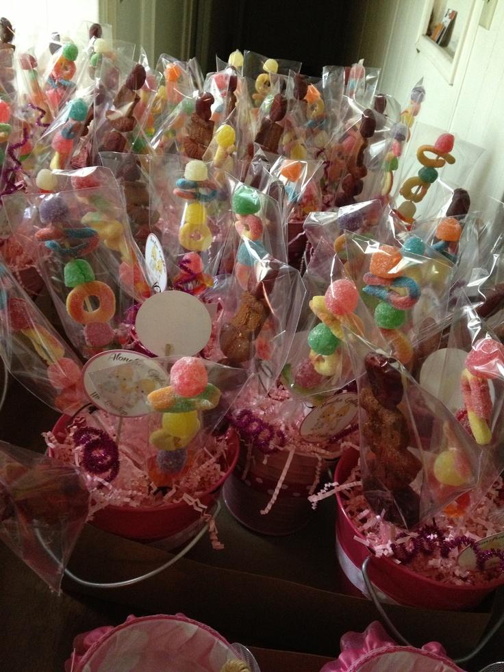 98 best mesas de dulces images on Pinterest Candy stations