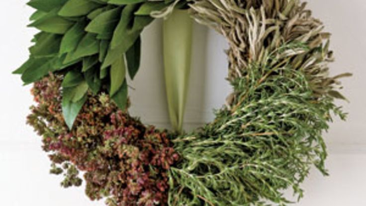5 Festive Do-it-Yourself Christmas Wreath Ideas: Forget garland! Adorn your home in style by creating extraordinary arrangements from ordinary materials.