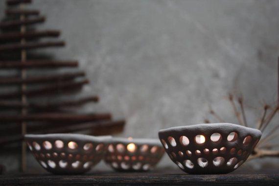 Tre ciotoline portacandela lanterna in ceramica di NidaCeramiche