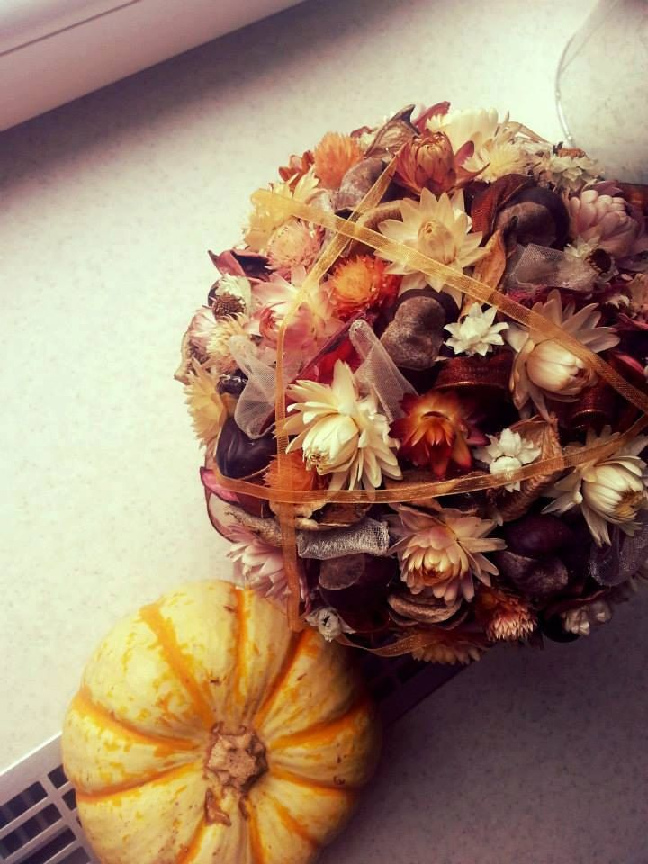 Dried flower ball home decoration. Dried flower by ApplePieStudio