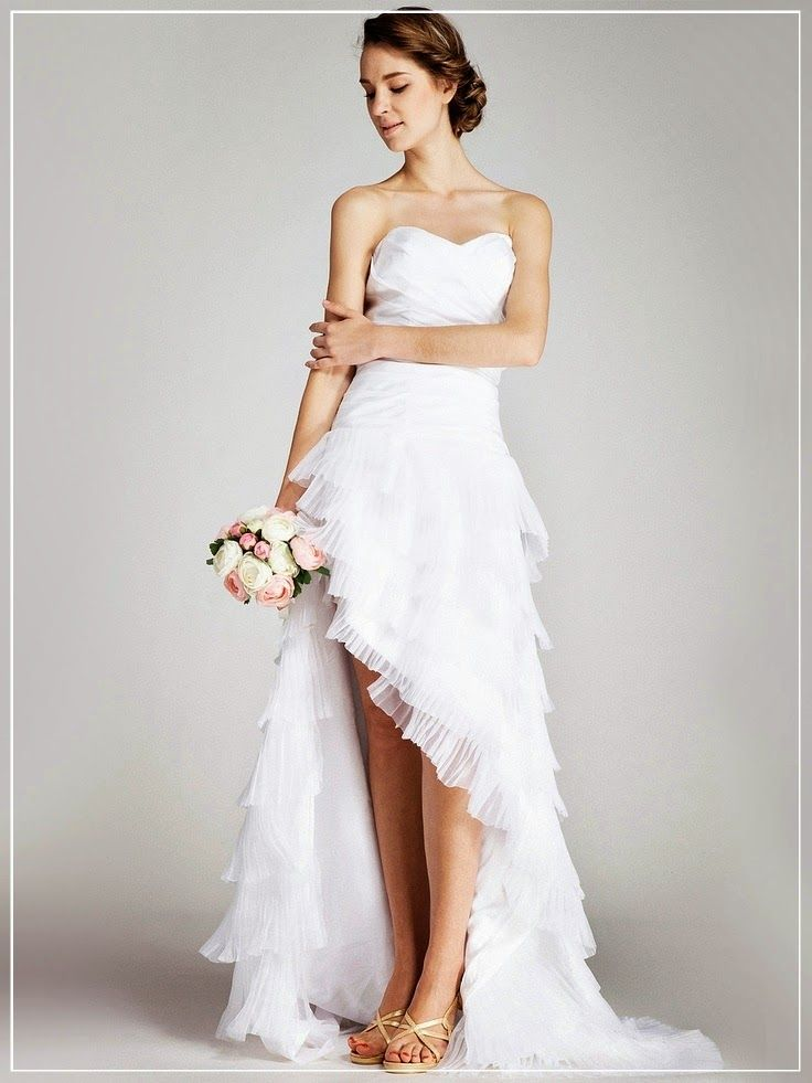 Beautiful and Relaxed Beach Wedding Dress