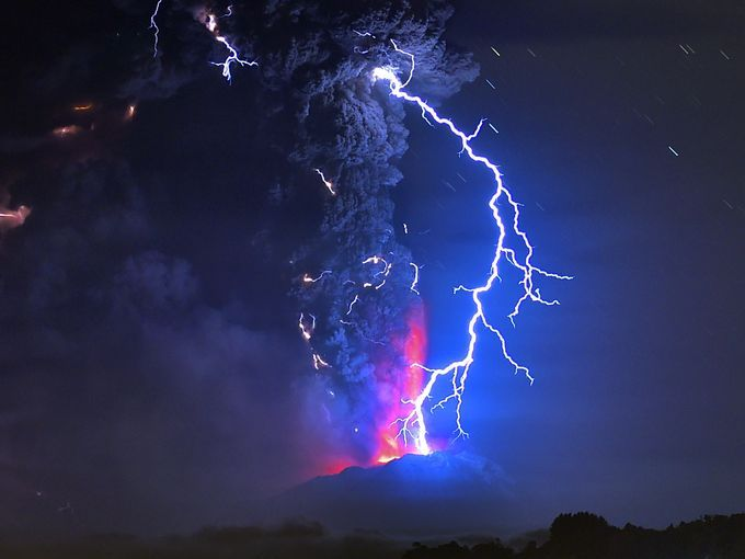 The Best Volcano Lightning Ideas On Pinterest Storms - Amazing footage captures a lightning storm inside volcanic ash plume