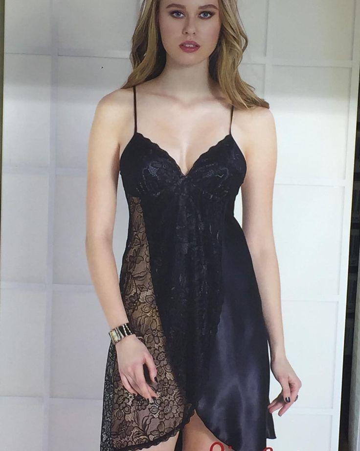 Pierre cardin tek gecelik modeli �� s m l bedenleri vardır �� siyah , pudra , kırmızı renk seçenekleriyle �� detaylı bilgi ve sipariş için lütfen dm �������� #ö#geceler #nisanbohcasi #nişan #dugun #vücutçorabı #pierrecardin #geceler #kırmızı #siyah #rengarenk #düğün #nişan #nisanbohcasi #söz #sandik #nisantepsisi #geceliksabahlık #saten #satengecelik #wedding #düğünhazırlığı #içgiyimmodası #içgiyim #içgiyimfantazi http://turkrazzi.com/ipost/1521133827803356486/?code=BUcJyg2DJ1G