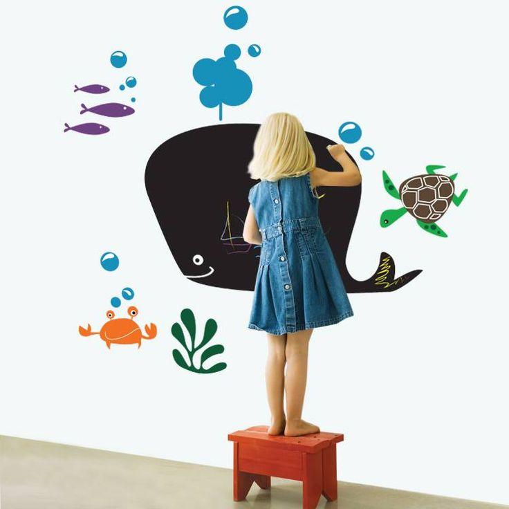 Μαυροπίνακας στο παιδικό δωμάτιο... ... Και αφήστε τα παιδιά να ζωγραφίσουν ελεύθερα!!  Αυτοκόλλητο μαυροπίνακας: http://www.houseart.gr/details.php?id=344&pid=13359