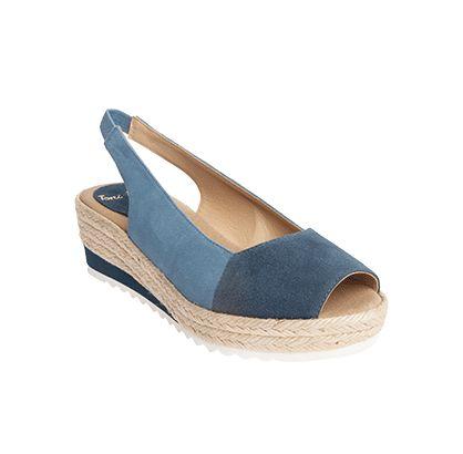 GARBI es un modelo de alpargata muy atrevido, las combinaciones de color escogidas para esta temporada así como la suela micro blanca siguen las tendencias de moda de este año para ropa y calzado de mujer. Una nueva experiencia, una cita ineludible para tus pies.