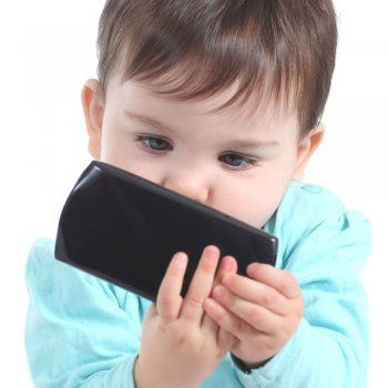https://www.guiainfantil.com/articulos/educacion/nuevas-tecnologias/10-motivos-para-prohibir-los-smartphone-a-ninos-menores-de-12-anos/
