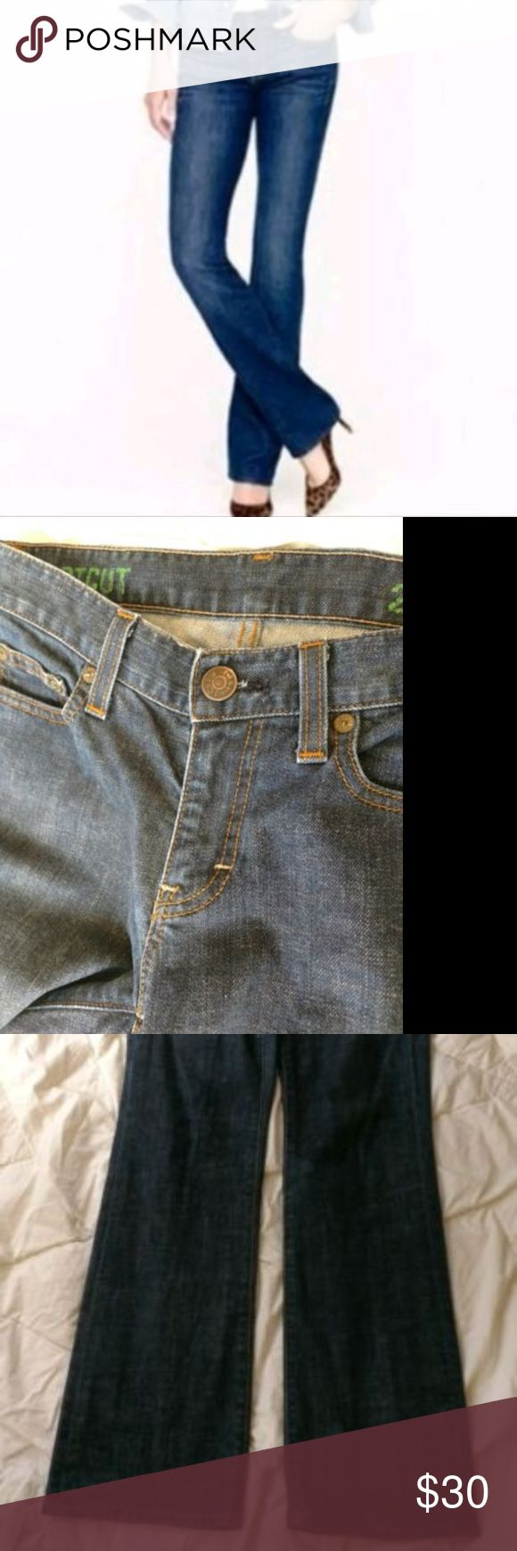 """J. Crew Womens Bootcut Dark Wash Jeans Size 26 J. Crew Women's dark wash boot cut jeans. Size 26s. Gently used without flaws.   Measurements  Waist: 15""""  Rise: 8""""  Inseam: 30"""" J. Crew Jeans Boot Cut"""