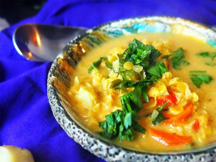 Kokosowa zupa z czerwoną soczewicą