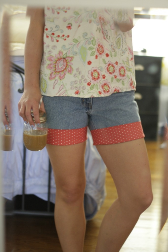 """""""Mom Jeans"""" to Summer Shorts DIY"""