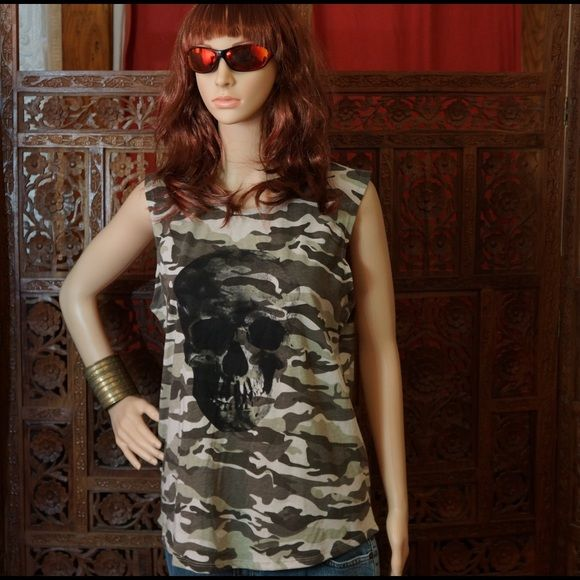 COTTON ON Skull sleeveless camouflaged t-shirt Make a statement in this grey & green skull sleeveless t-shirt with camouflaged pattern, super comfy, size medium, designed in Australia Cotton On Tops