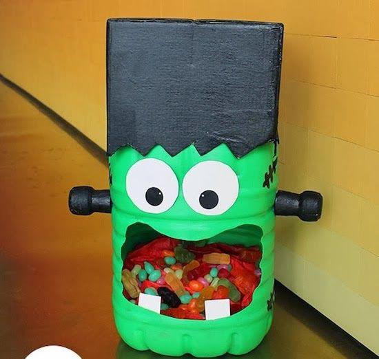 Aprenda a fazer passo a passo um frankenstein com garrafão de água. As crianças vão amar e vão poder brincar muito. E o mais legal é que você recicla um material que iria para o lixo.