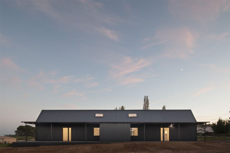 Completed in 2015 in Saint-Sauveur, France. Images by Cyrille Lallement. The house is situated in a vast field and the clients requested it be largely open to the surroundings. Therefore large French windows are found in...
