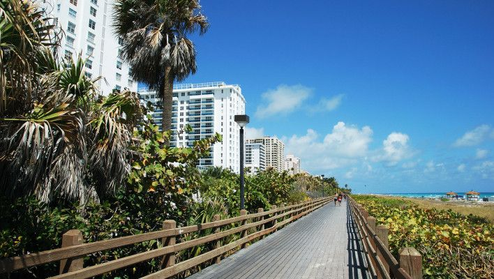 Miami-Beach-Boardwalk