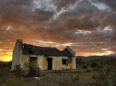 Desolate Buildings in the Karoo. BelAfrique your personal travel planner - www.BelAfrique.com