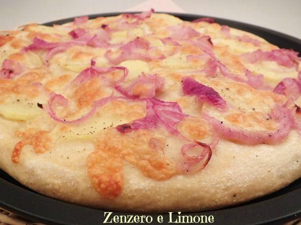 PIZZA+BIANCA+PATATE,+CIPOLLE+E+SCAMORZA