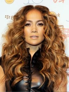 Pictures : Jennifer Lopez Hairstyles - Jennifer Lopez Messy Curly Hairstyle