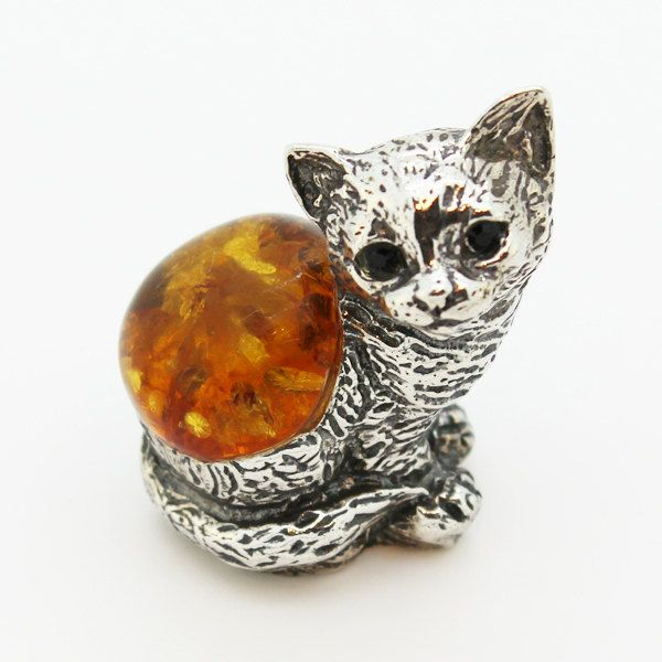 ON SALE Cat figurine made of sterling silver 925 and genuine Baltic amber - $63.20 USD