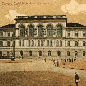 Sopron, Széchenyi tér a Kassinoval