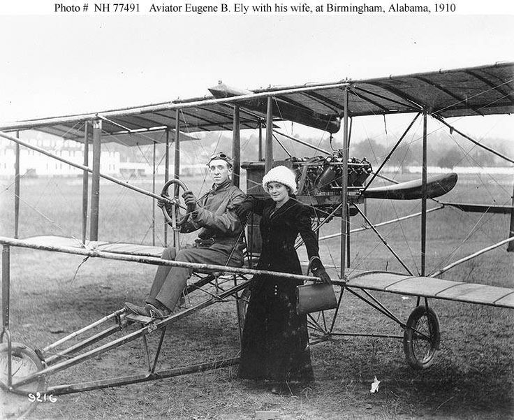 Photo NH 77491 Aviator Eugene B. Ely with his wife at