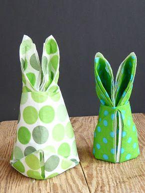 Servietten-Osterhasen! Blöd nur, dass ich das nächste Ostern vergessen haben werde... :-)
