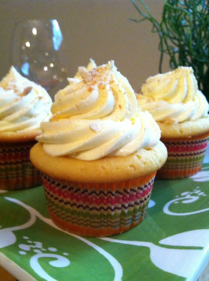 Recipe for Banana Pudding Cupcakes...can't wait to make these.