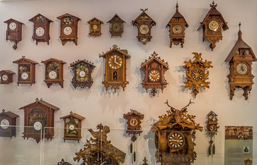 1000 images about cool clock stuff on pinterest cuckoo clocks clock and antique clocks - Albero modern cuckoo clock ...