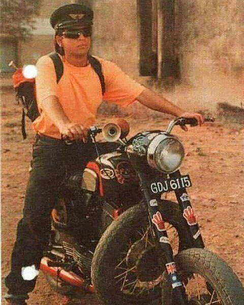 Bollywood Actor Shahrukh Khan on Yezdi  Photo courtesy of @iamsrk @_saala_khadoos  More photos on - http://ift.tt/1MOOLiU (Link in Profile)   #jawa   #jawamotorcycles.com   #idealjawa  #2stroke   #chrome   #Cz   #biker   #motorcycles   #imtheindianbiker   #yezdi   #yjoci   #retro   #czech   #vintage   #vintagestyle  #india   #motorbike   #caferacer   #bikeporn   #instamotogallery   #dirt   #bike   #picoftheday   #gopro   #motocross   #shahrukhkhan #bollywood