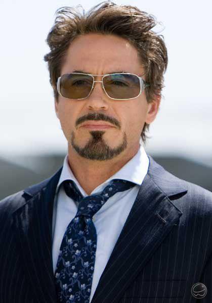 "No filme ""Homem de Ferro"" Robert Downey Jr usa o óculos Ray Ban RB 3320. 8) #óculos #tonystark #homemdeferro #filme #rayban #stark #eyewear #style #celebrity #celebridade #famoso"