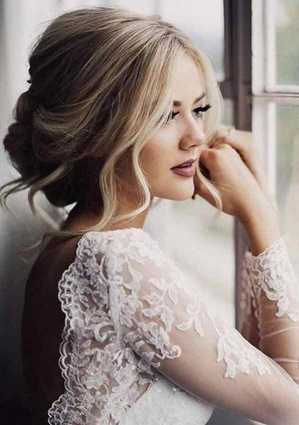A Veil Is A Beautiful Wedding Element That Makes You Look More Splendid And Eye Catching If Unique Wedding Hairstyles Beautiful Wedding Hair Bride Hairstyles
