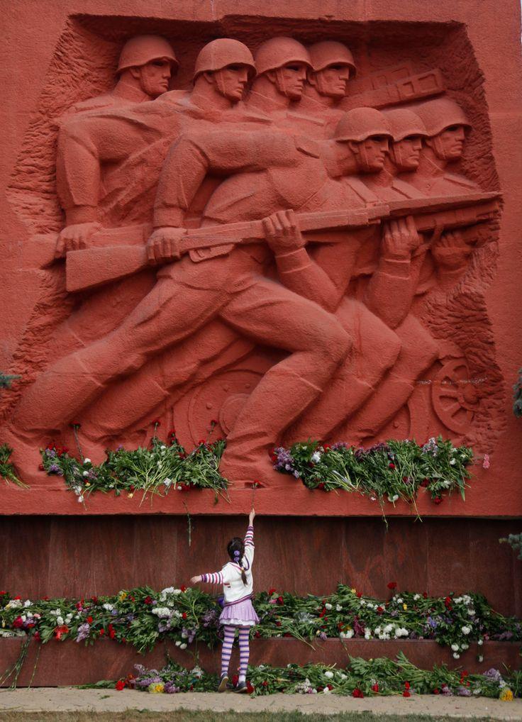 Victory Day 2012 - The Big Picture - Boston.com