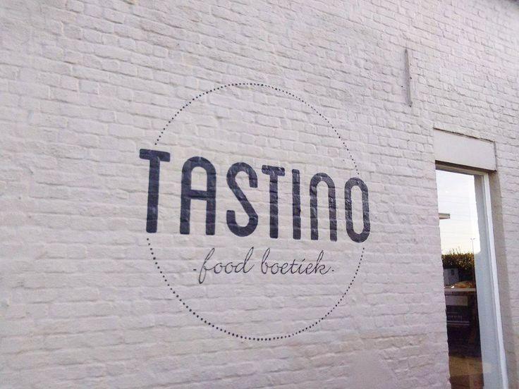 Logo op de gevel geschilderd van food boetiek Tastino te Asse. on Lizart  http://lizart.be/wp-content/uploads/reclame-gevels-en-logos/gevelschildering-tastino.jpg