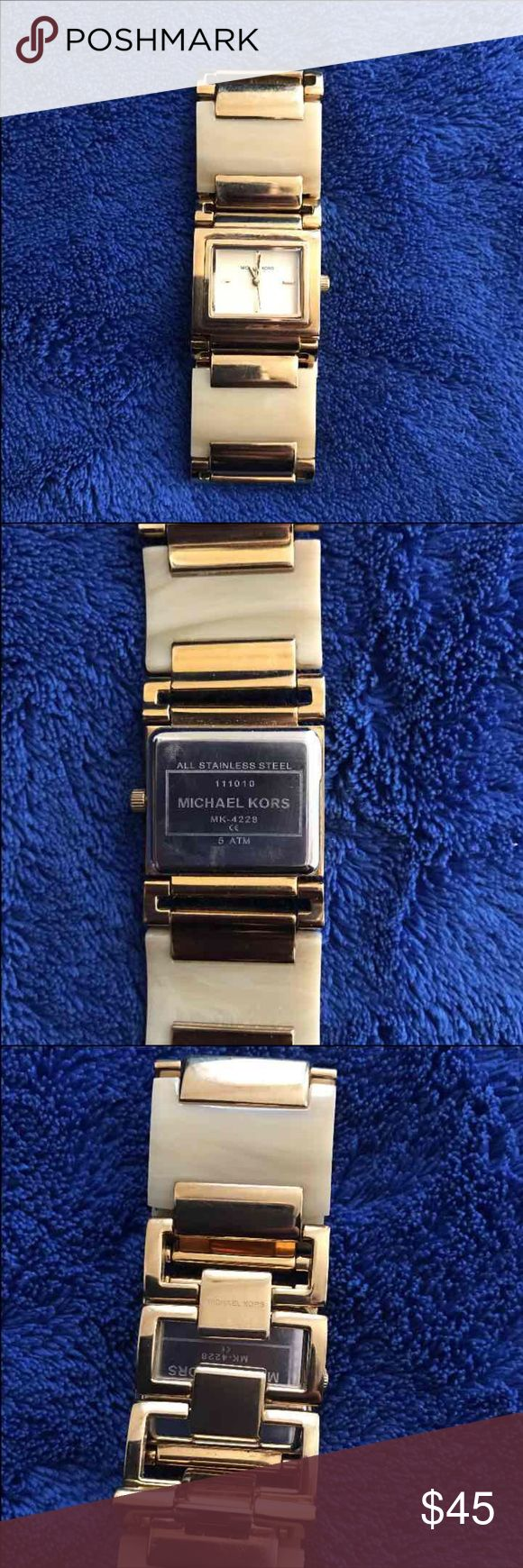 Michael Kors Gold Tone Tortoise Shell Watch Needs replacement battery, works fine. Some light scratches and discolorations. Beautiful watch. Michael Kors Accessories Watches