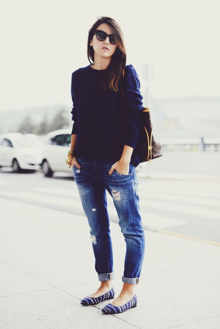 Casual Chic | Rolled jeans with loose navy blue sweater.  Classed up by flats and a boho bag.
